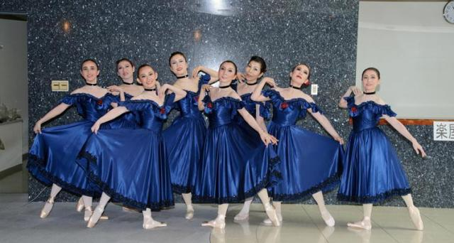 【バレエ(高校生~大人対象)無料体験レッスン】あらゆるジャンルの総合ダンススクールで初心者からプロを目指す方まで幅広く受講出来ます!